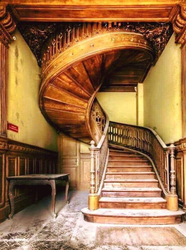 Best Curved Stairs